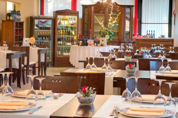 ristoranterecina-1C557FB18-9997-605A-D3D7-CAA385C9C83F.jpg